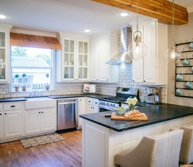 "Upper Cabinets Kitchen: How To Add ""Fixer Upper"" Style To Your Home"