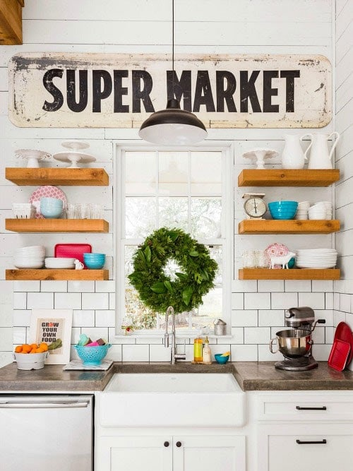 Joanna Gaines' floating shelves in her farmhouse kitchen | The Harper House